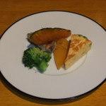 33900320 - 油とおしした野菜ですが、野菜そのものが甘くて美味しいです。