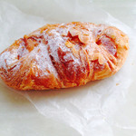 ル・パン・コティディアン - チーズアーモンドデニッシュ