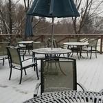 サンクゼール・マルシェ 八ヶ岳店 - テラス席。雪の日は無理ですが