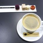 コミナセマコ - ミニャルディーズとコーヒー