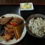 琉球料理 ふみや - 煮つけ600円+ジューシー250円