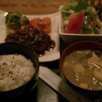 33903431 - 和風スタイルハンバーグ定食(ハンバーグ・サラダ・ごはん・お味噌汁付) 950円