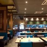 33906899 - 広大すぎるレストランです!