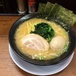 巣鴨家 - 醤油豚骨玉子