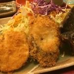 どんじゅう - しかし流石のサービス品でも塩サバ様とさつまいもとナスの天ぷら様!