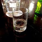 33909452 - 伺ったのは正月2日目だったからでしょうか、振舞い酒を頂きました。スッキリしたちょい辛の日本酒。