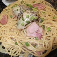 パスタハウス トライアングル - 宮城県産の牡蠣を使用しています。牡蠣の旨味がたっぷり入った一品です。