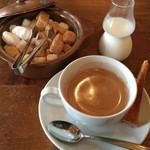 テオドーラ - セットのコーヒー&小菓子