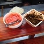 博多濃麻呂 - 紅生姜、高菜漬はフリー