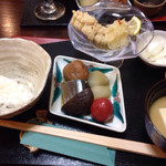 無似舎 - ご飯、味噌汁、鱧南蛮、秋刀魚とお野菜の炊き合わせ