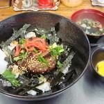 33922976 - 鹿のコロコロステーキ丼 880円