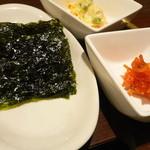 33923507 - サービス前菜セット(韓国海苔、甘辛スルメ、ポテトサラダ)