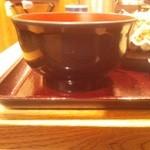 おふくと虎吉 - から揚げ定食¥918のご飯茶碗側面(直径13cm)