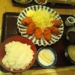 おふくと虎吉 - カキフライ定食¥1080