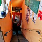 一膳飯屋 八起 - 地下へ下りる階段