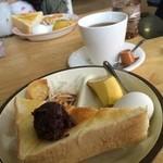 グラス珈琲店 - 料理写真:小倉トーストモーニング