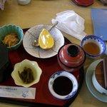 呼子ロッジ - 料理写真:しまっているふたの中身はご飯とお味噌汁です。