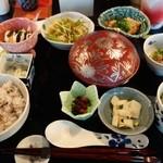 ギャラリー有田 - 有田名物ごどうふ定食(1350円)