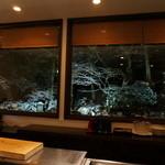 キッチン イトウ スタイル - カウンターから見える雪景色のお庭が綺麗でした