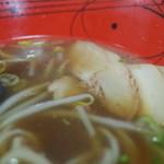 加西サービスエリア(上り線) フードコート - 加西サービスエリア(上り線) フードコートの加西醤油ラーメンのスープ(14.10)