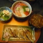 33945415 - 穴子4ヶ+海鮮丼