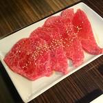33949358 - 神戸牛 特上ロース系 もも肉
