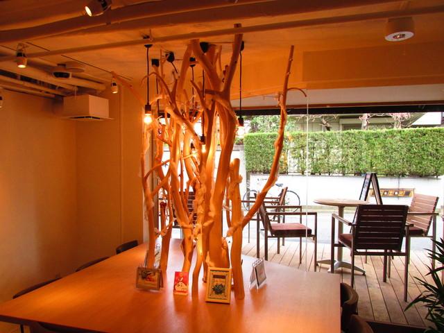 木と水と土と - 店内