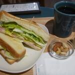 珈琲や - 料理写真:トーストサンド、ブレンドコーヒー