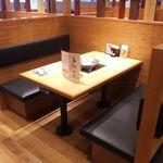 しゃぶしゃぶ 寿司食べ放題 露菴 - ゆったり4名までのソファー席