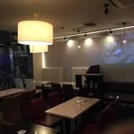ミョンカフェ - 店内にはプロジェクターが設置されており、サプライズムービー等も対応可能です◎