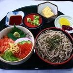 好水 - 料理写真:ミニ親子丼+ミニざるそばセット 840円