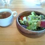 33964674 - セットのサラダと野菜スープ