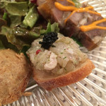 ラディーチェ - 前菜 真鯛カルパッチョ、ガーリックトースト乗せ