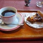 茶庵とちのき - コーヒーとりんごタルト