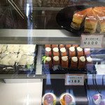 洋菓子エレン - 新製品も登場してるー。チーズケーキも美味しかった