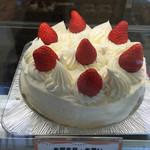 洋菓子エレン - ショートケーキは、スポンジも生クリームもgood