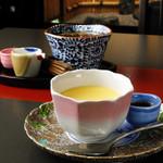 叶夢かむ - 料理写真:看板カフェメニュー『叶夢かむ特製 有田焼プリン』