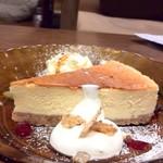 やまねこカフェ - こってりなベークドチーズケーキ