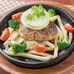 和創酒膳 零 - 料理写真:『わさびバターで食べる手ごねハンバーグ』厳選した和牛を使用