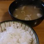 とんかつ 澤樹 - ご飯と豚汁