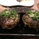 焼鳥と韓国料理 人生の楽園 - 名物 つくね