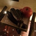 蔵 - テーブルには一富士二鷹三茄子w 四扇五煙草六座頭まではありませんw