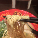 33998795 - 麺は安心の細麺ストレート(^^)