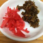 33998884 - 紅生姜に辛子高菜は入り口のとこに置いてあります^^;