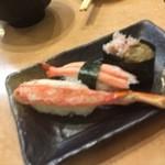 丸寿司 - カニ3点盛り 本ズワイ、紅ズワイ、カニみそ 480円