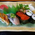 いさみ寿司 - にぎり寿司セット(1500円)