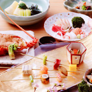 春夏秋冬、季節に合わせた旬の食材をお楽しみください。