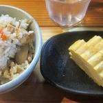 つなぎ亭 - セットのかやくご飯とダシ巻¥200円