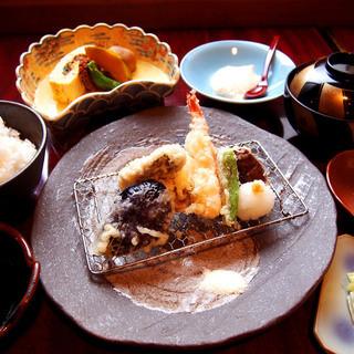 【自慢】炊きたての美味しいご飯をランチでご提供!