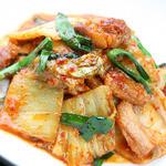 博多中洲ぢどり屋 - とりもも肉を使ったキムチ炒めです。